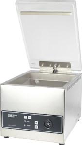 Sous videuse à cloche SVC 250 Premium vue de face, matériel adapté pour la mise sous vide de liquides et préparations juteuses