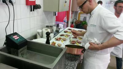 formation cuisson sous vide en école de cuisine avec thermoplongeur SWID